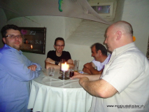 monis_bar_20120603_1812584608