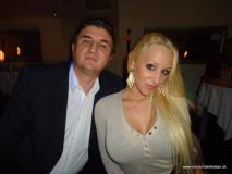 monis_bar_20130320_1064288075
